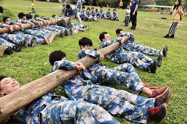 京东物流片区员工军训训练活动