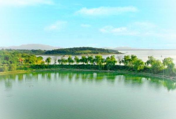 安庆嬉子湖户外拓展活动团建基地